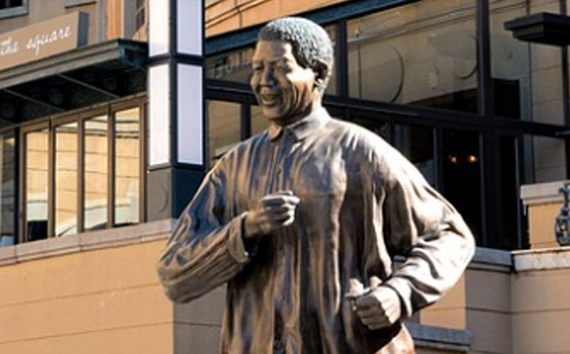 Photo: Nelson Mandela Square Stature, Jahannesburg
